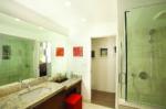 ワイキキ・ショアbyアウトリガー バスルーム一例